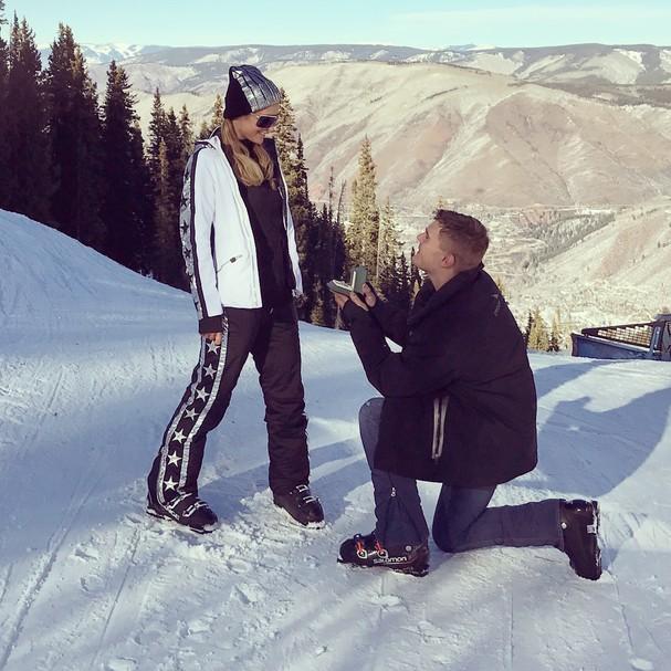 Paris Hilton é pedida em casamento por Chris Zylka (Foto: Instagram/Reprodução)