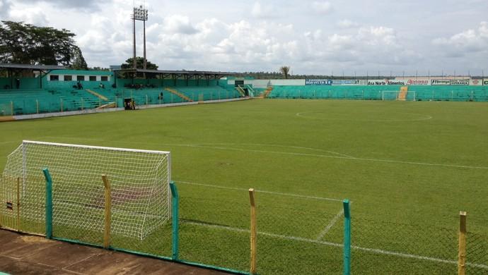 Estádio Ribeirão, em Tocantinópolis (Foto: Fabrício Soveral/GloboEsporte.com)