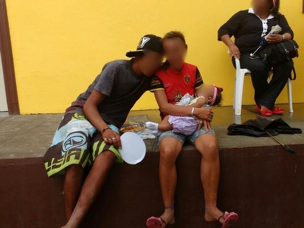 Casal foi detido com a criança no Bairro do Alto do Moura, em Caruaru (Foto: Alinne Christina Soares/Arquivo Pessoal)