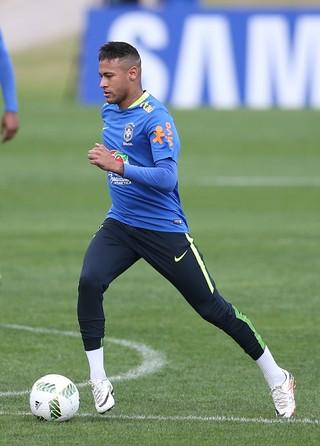Neymar treino Granja Comary (Foto: Lucas Figueiredo / MoWA Press)
