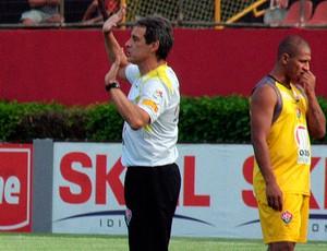 carpegiani e uelliton em treino do vitória (Foto: Divulgação/EC Vitória)