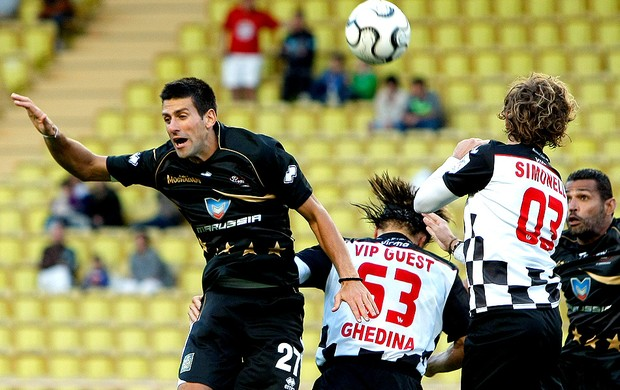 Djokovic jogo de futebol caridade (Foto: AP)