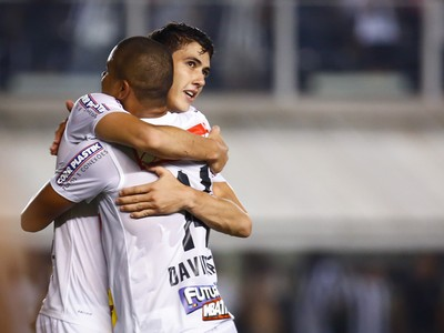 Gustavo Henrique e David Braz Santos (Foto: Ricardo Saibun/Santos FC)