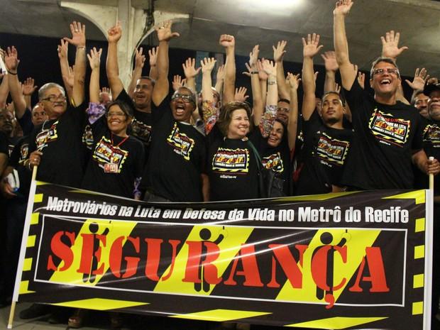 Metroviários deflagram greve no Grande Recife (Foto: Sindmetro-PE/Divulgação)