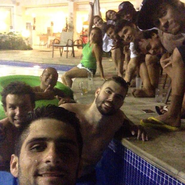 Neymar com amigos (Foto: Instagram/ Reprodução)