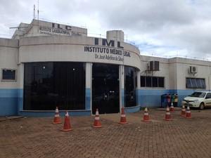 IML concluiu que homens foram mortos de forma violenta (Foto: Flaviane Azambuja/G1 RO)