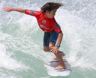 Surfista Daniel Adisaka (Foto: Basilio Rui/Divulgação)