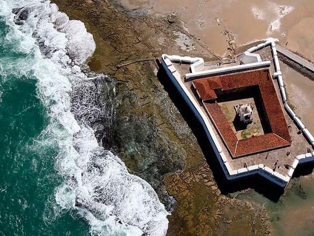 Foto aérea mostra Fortaleza dos Reis Magos. Construção demorou 30 anos e foi concluída em 6 de janeiro de 1598 (Foto: Canindé Soares)