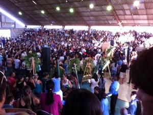 Milhares de pessoas acompanharam velório em ginásio de Currais Novos, no RN (Foto: João Bezerra/G1)