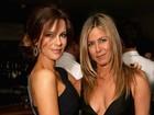 Jennifer Aniston e Courteney Cox prestigiam lançamento de livro