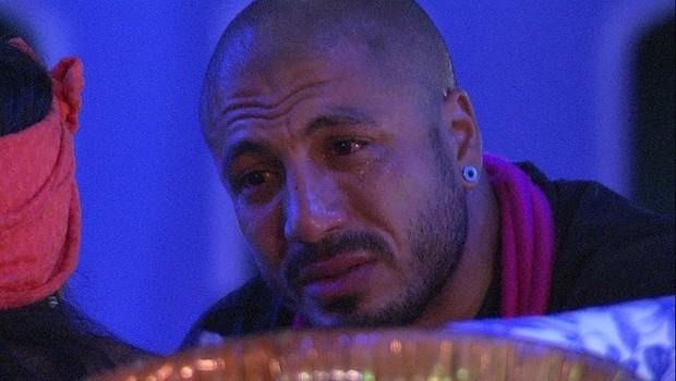 Fernando chora (Foto: TV Globo)
