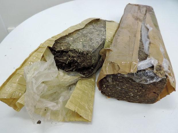 Maconha era vendida por comerciante em box de verduras na Ceasa (Foto: Marina Barbosa/G1)