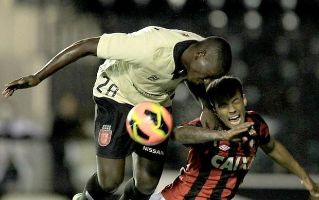 Jomar jogo do Vasco contra Atlético-PR (Foto: Marcelo Sadio / Site do Vasco)
