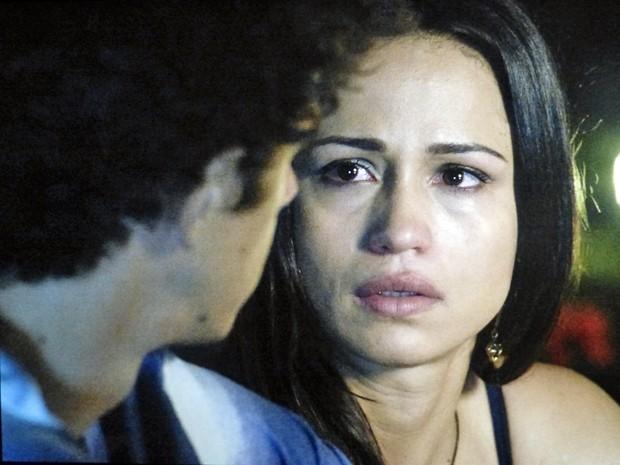 Tuane se humilha para o ex e pede emprego  (Foto: Império/TV Globo)
