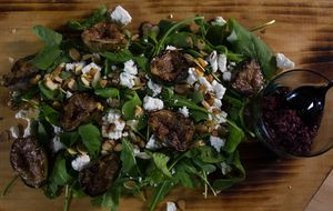 Salada de figo defumada