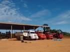 Bando invade depósito de empresa no AC e leva caminhões e caçamba