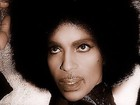Famosos lamentam morte de Prince