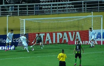 Atacante exagera na força e perde gol de cara com goleiro na Série B