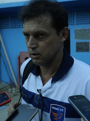 Sorato, técnico do Doze FC (Foto: Richard Pinheiro/GloboEsporte.com)