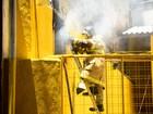 Bombeiros combatem incêndio a restaurante na Tijuca, no Rio