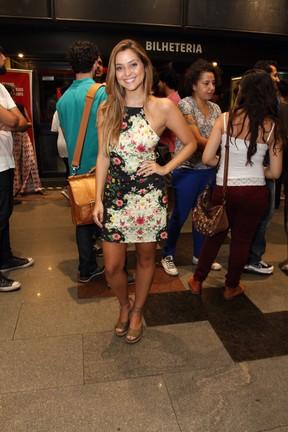 Polliana Aleixo em peça na Zona Sul do Rio (Foto: Anderson Borde/ Ag. News)