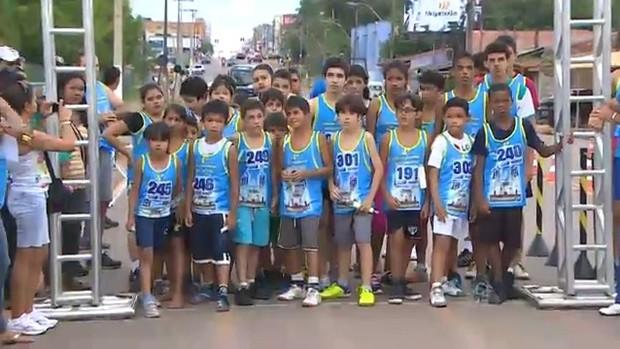 Crianças são as primeiras a largar na Minimaratona, em Porto Velho (RO) (Foto: Reprodução/TV RO)