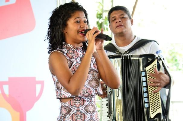 Julie de Assis participou da Ação Global (Foto: Saulo Brandão)