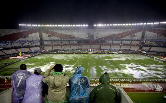 Argentina e Brasil adiado - Monumental de Nuñez (Foto: AP)