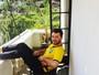 Após bebedeira no Rock in Rio, Sam Smith posa com cara de ressaca