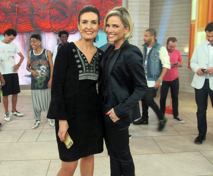 A atriz Natallia Rodrigues com a Fátima  (Foto: Juliana Hippert/Gshow)