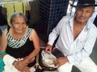 Casal leva marmita com farinha para 'aguentar' espera na fila do INSS