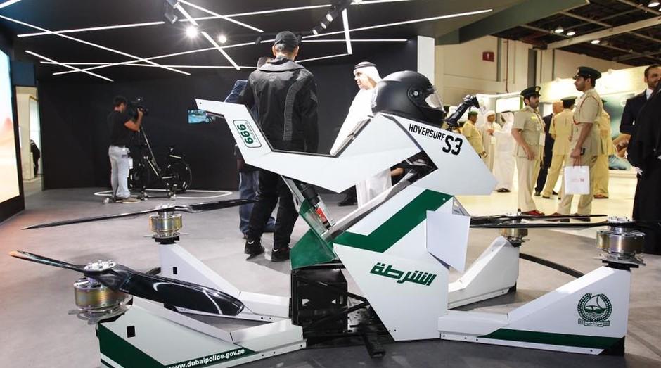 Um exemplo de moto voadora (Foto: Reprodução/Facebook)