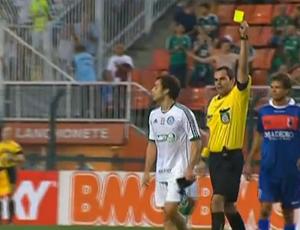Valdivia e árbitro Antonio Frederico de Carvalho Schneider (Foto: Reprodução SporTV)