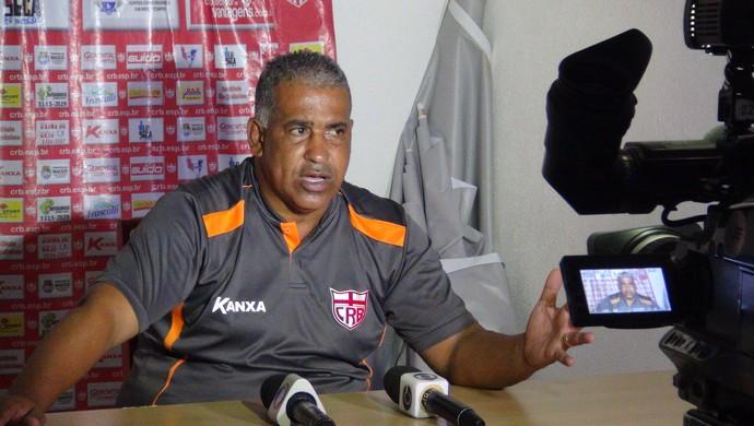 Ademir Fonseca, técnico do CRB (Foto: Paulo Victor Malta/GloboEsporte.com)