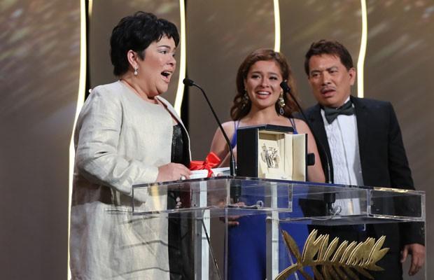 """A filipina Jaclyn Jose recebeu o prêmio de melhor atriz por """"Ma'Rosa"""" na 69ª edição do Festival de Cannes. (Foto: Valery Hache/France Presse)"""