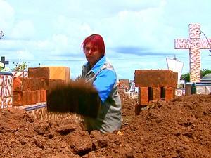 Priscila Munhoz Alves trabalha há quase 2 anos em São Carlos (Foto: Reprodução/EPTV)