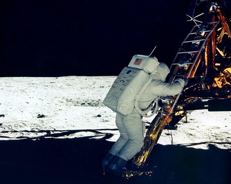 Buzz Aldrin, segundos antes de se tornar o segundo homem a pisar na lua (Foto: NASA)