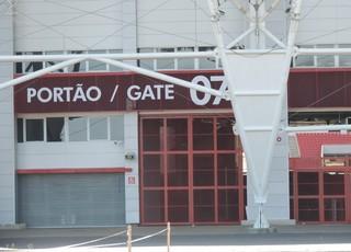 Inter treina com portões fechados no Beira-Rio (Foto: Tomás Hammes / GloboEsporte.com)