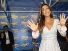Ivete Sangalo usa vestidinho curto para fazer show na Sapucaí