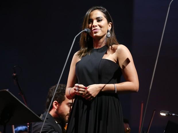 Anitta em show em Curitiba, no Paraná (Foto: Manuela Scarpa/ Brazil News)