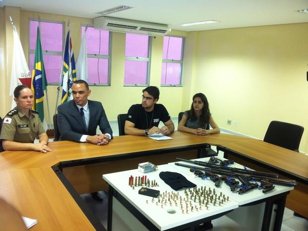 Resultado da operação foi divulgado durante entrevista coletiva pela major Lirliê, pelo promotor Evandro Ventura e pelos delegados Iure de Mota e Daniely Muniz. (Foto: Diego Souza/G1)
