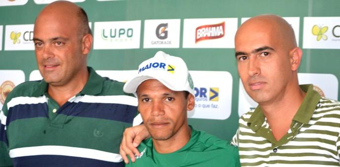 Fabinho apresentação atacante Guarani Álvaro Negrão Rogério Giardini (Foto: Murilo Borges)