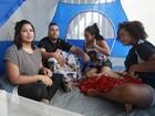 Fãs de Justin Bieber acampados são surpreendidos com questões do ENEM