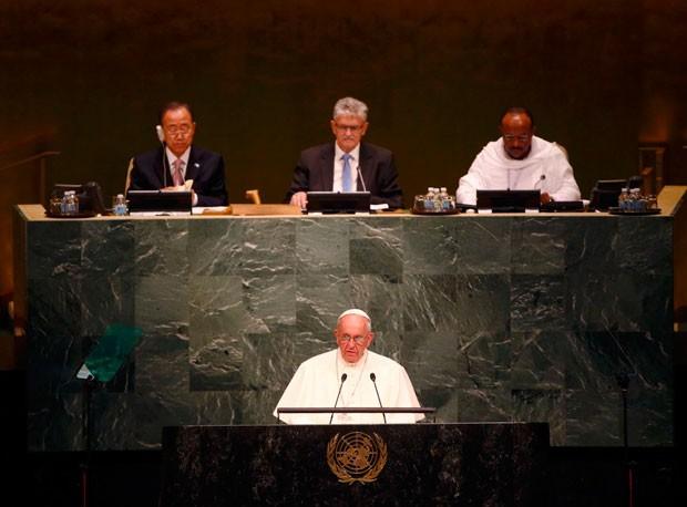 O Papa Francisco discursa nas Nações Unidas nesta sexta-feira (25) em Nova York (Foto: Tony Gentile/Reuters)