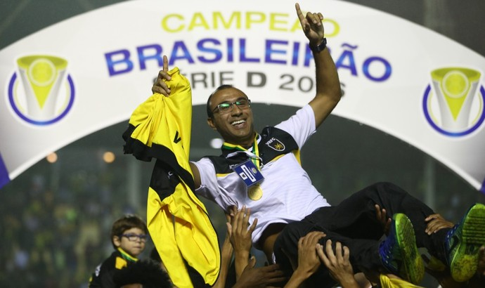 Felipe Surian comandou o Voltaço no ano mais vitorioso do clube (Foto: Lucas Figueiredo/CBF)