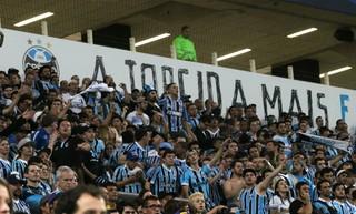 Torcedores do Grêmio na partida contra o Bahia (Foto: Diego Guichard)