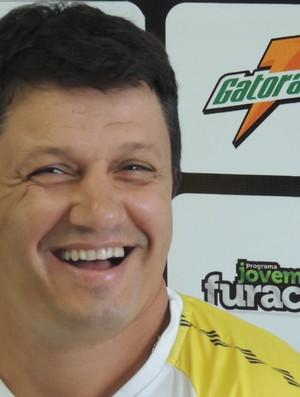 adilson técnico figueirense (Foto: Paulo Evangelista)