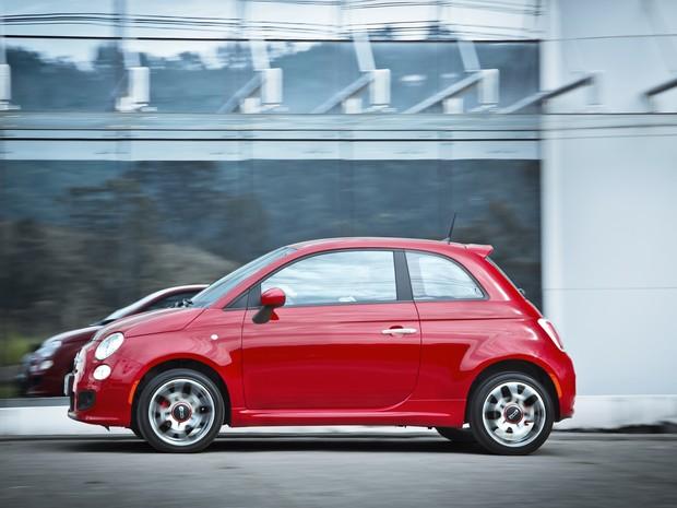Fiat 500 Sport com novo ajuste do câmbio automático e motor flex se torna o mais atrativo da linha (Foto: Divulgação)