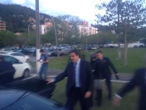 Ministro da Justiça chegou a SC no início da noite desta sexta (Foto: João Salgado/RBS TV)