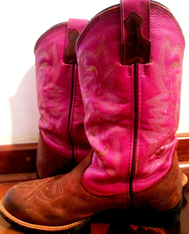 Moda country incentiva meninas na paixão pelos cavalos. (Foto: Divulgação / Arquivo Pessoal)